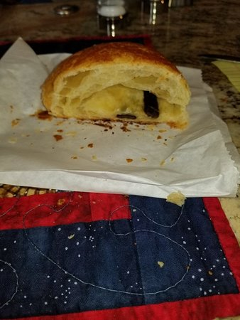 Bread and pastry to go
