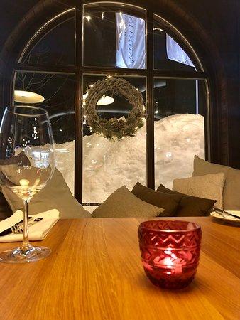 SAVOYA restaurant & lounge: Зал ресторана
