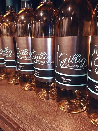 Gillig Winery : .