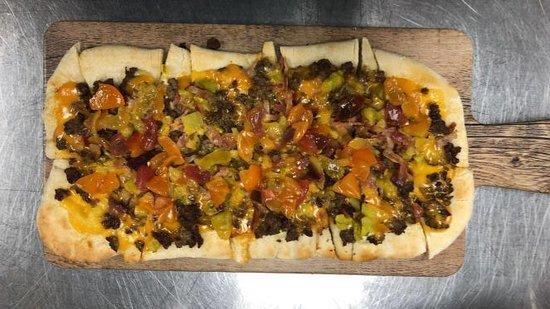 Gillig Winery : Cheeseburger Flatbread