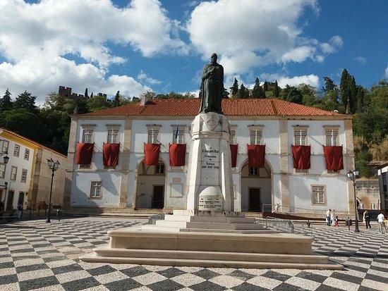 Estatua de D. Gualdim Pais