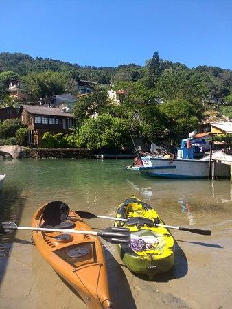 Canal da Barra da Lagoa. Olha a cor dessa água!!