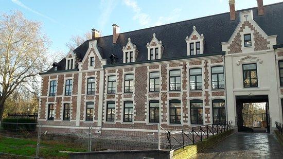 Chateau de Robersart