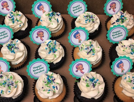 Flavor Cupcakery: bubble guppies themed party picks