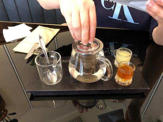 Cerna Madona: Хорошая подача чая