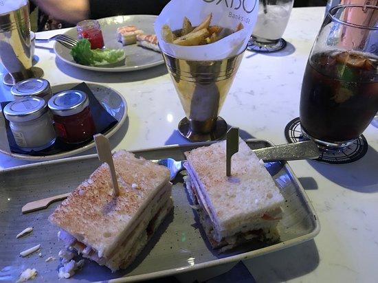 "Hilton London Bankside: Club sandwich in ""Distillers"" bar"