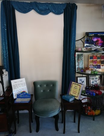Avalon Visions Center For Creative Spirituality: Take the time to get an aura and chakra report.