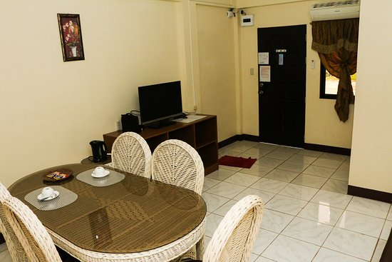 Jconfarm hotel suite, en-suite bathroom, Free WI-FI, TV in room, Room service available at no extra cost