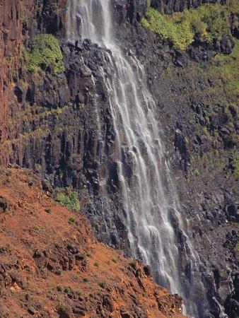 Close up of the falls.