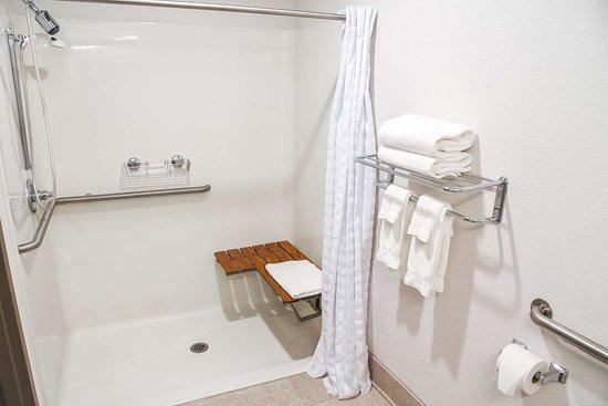 Lock Haven, بنسيلفانيا: Roll - In Shower