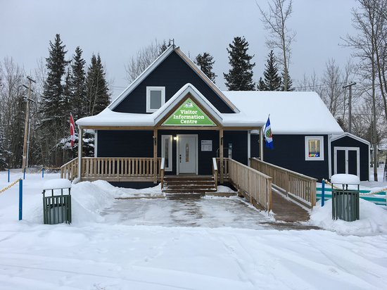 The Hay River Visitor Information Centre in the Winter. Visit us at https://www.facebook.com/hayrivervic/