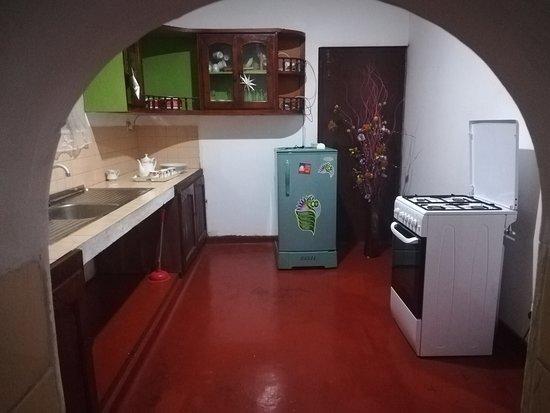 Shrinith's Place - Dodanduwa: Kitchen