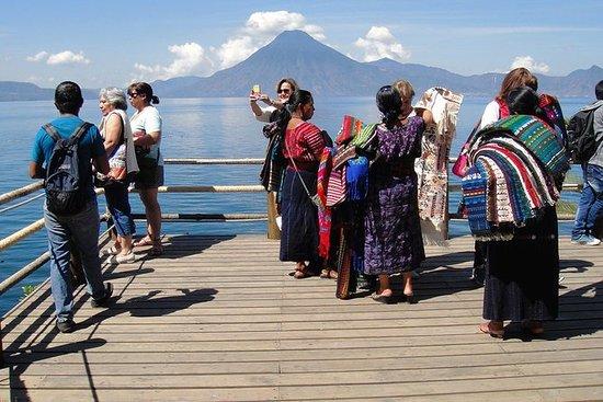 プライベートツアー:AntiguaのLake AtitlanボートツアーとS…