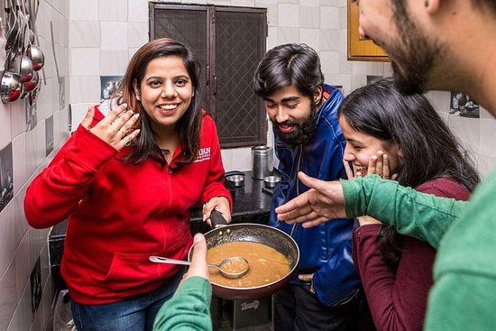 Delhi Cultural Experience: Cook and...