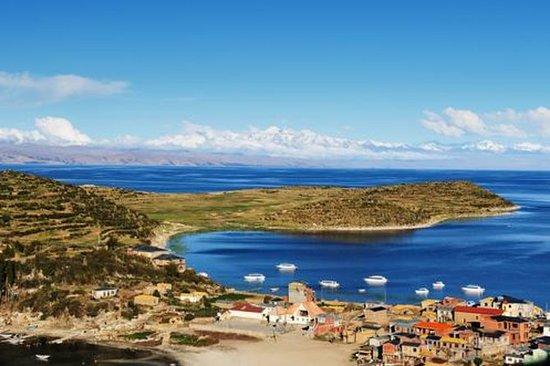 プチノからのチチカカ湖とサンアイランドカタマランクルーズ