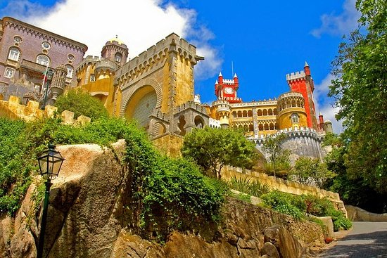 Sintra and Cascais Small-Group Day...