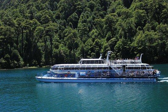 Crucero turístico por el puerto Blest...