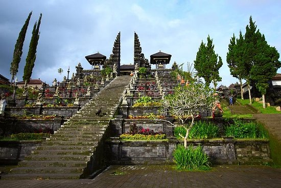 Private Karangasem Day Trip Including...