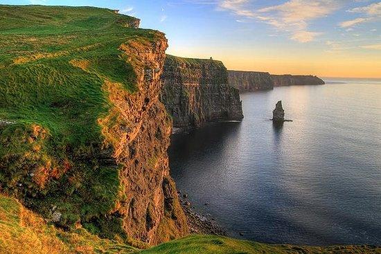 莫赫悬崖和布伦一日游,包括来自戈尔韦的Dunguaire城堡,Aillwee洞穴...