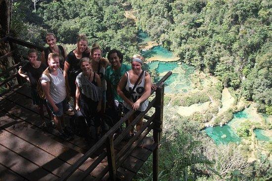 日帰り旅行:SanAgustínLanquínからのKanba洞窟とSemuc Champey自然プール