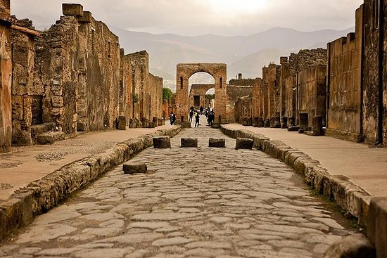 Naples and Pompeii: Full-Day Tour...