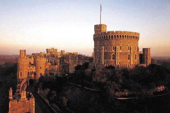 ウィンザー城とオックスフォードツアー、お祝いランチ