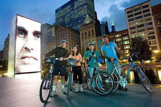 夜间芝加哥烟花之旅自行车