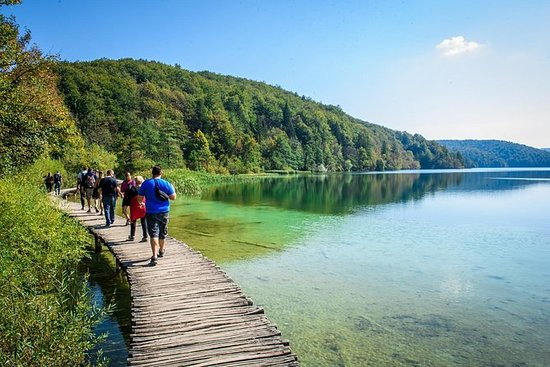 Plitvice Lakes et Rastoke Day Tour...