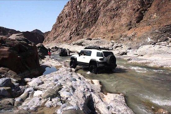 Wadi Al Abyadh med 4x4 Full Day ...
