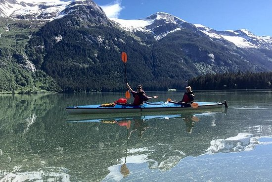 半天Chilkoot Lake Kayak Tour  -  Haines...
