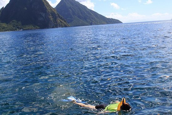 St Lucia Snorkeling Tour with Lunch