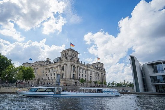 2.5-Hour Berlin Center Boat Cruise on...