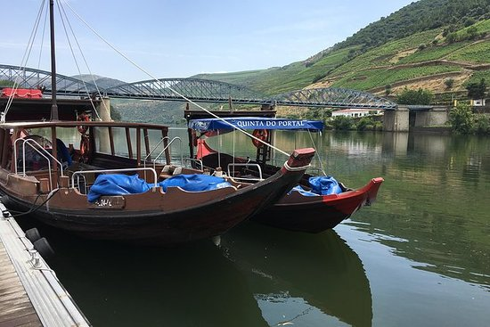 Douro Valley Private Tour with boat...