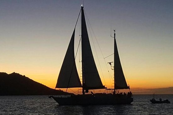 Magnetic Island Sunset Sail