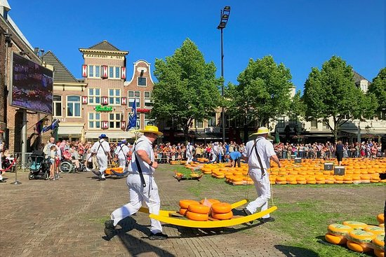 Lille gruppe Alkmaar ostemarked og...