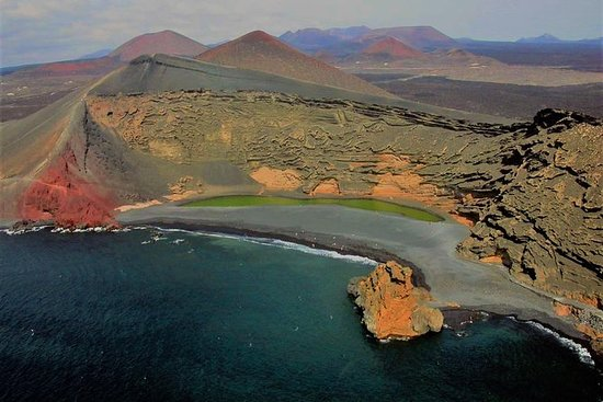 Lanzarote Grand Tour与Timanfaya和Jameos...