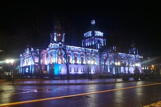 Eclectic Belfast by Night Walk