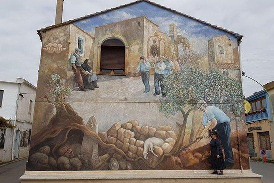 Visita un pueblo típico en Cerdeña...