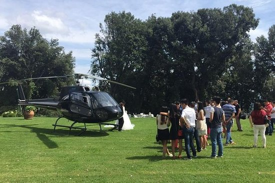 Helicopter Exclusive VIP Wine Tour i ...