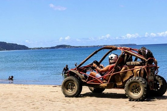 Jungle Beach Buggy Safari i Port Vila