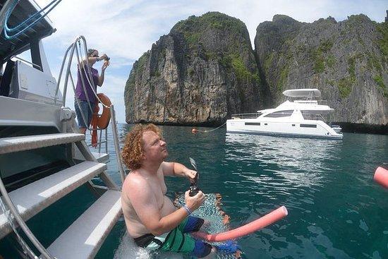 Blu Anda Catamaran a Phi Phi desde...