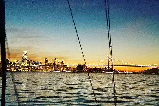 Solnedgang og bylys Cruise