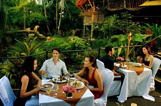 Cosmo Bali Tours and travel  Dinner...