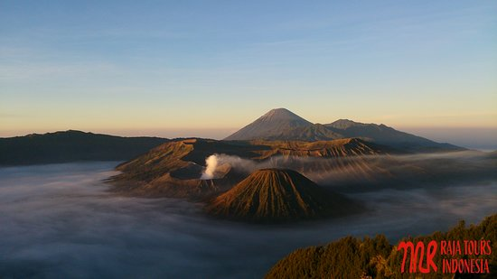 Bantul, Indonesien: Mount Bromo.. The perfect place for sunrise and volcano. You will find amazing things of nature here! You will never regret to visit this beautiful place in the world ever!