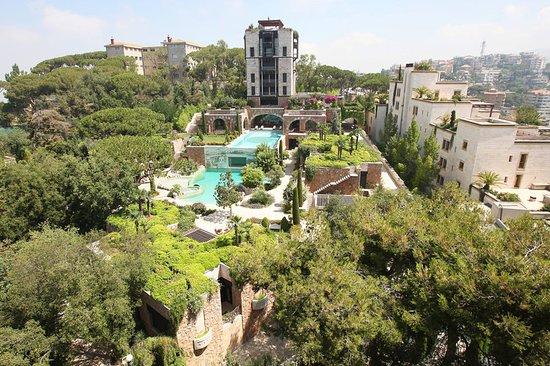 برمانا, لبنان: Exterior