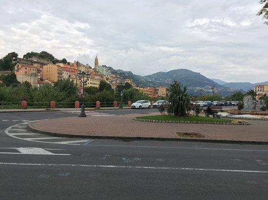 Liguria, Italy: Площадь в городе Империя