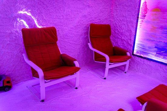 Samara, Russia: Удобнейшие кресла-качалки в вашем распоряжении всегда помогают расслабиться намного быстрее и ваш организм отдыхая восстанавливается как нигде и никогда ранее. Тел. 8(927)210-7-012