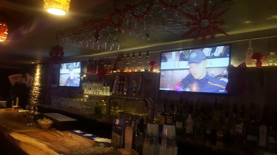 Andrews Pub
