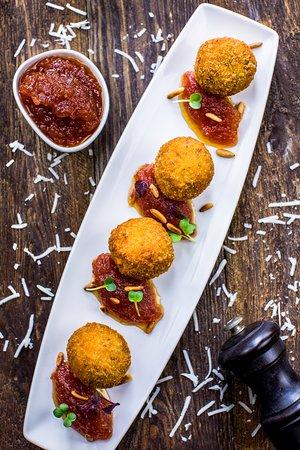 Restaurant español- El Sur: Blue cheese croquettes