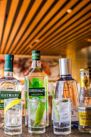 Restaurant español- El Sur: Some of our best selection of Gin